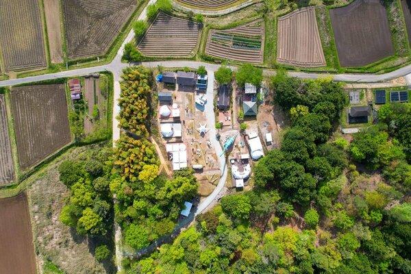 空から見たグランピング施設=写真はいずれもゼンシン提供
