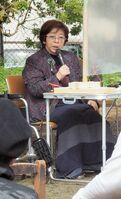長年、自閉症の子どもとその親の支援を続けてきた歩みを語る高木さん(京都市左京区)
