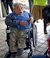 防災訓練で障害者の思いを語る矢吹文敏さん(2015年2月22日、京都市伏見区向島)