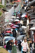 中国からの団体旅行が禁止された1月27日の午後も、多くの外国人観光客でにぎわっていた