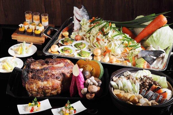 琵琶湖ホテルのおせち「和洋二段重」