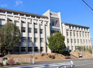 大学院設置に向けたキャンパス整備で、教室の確保が課題となっている福知山公立大(京都府福知山市堀)