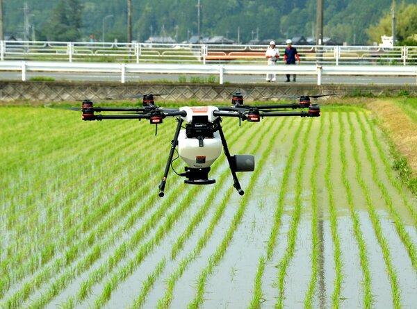 園部町農業公社が導入したドローン。農作業の効率化につなげる(京都府南丹市園部町宍人)