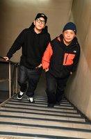 結成20周年を迎え、一歩一歩はい上がり続ける京都のバンド「ロットングラフティー」のボーカル、N∀OKI(右)とNOBUYA