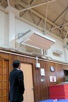 中学校の武道場に設置されたエアコン。小学校2校の体育館にも整備が計画されている(八幡市・男山第三中)