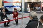 三浦館長と木村さんのトークショーを聞く参加者ら=京都市下京区・京都鉄道博物館
