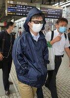 京都駅に着いた山本容疑者(23日午後2時22分、京都市下京区)