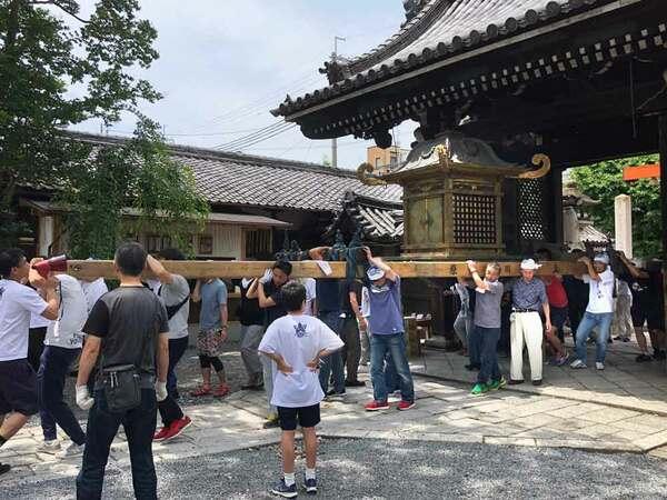 霊元上皇と東山天皇から寄進されたものの、長年巡行していない大宮神輿(2018年5月、京都市中京区・下御霊神社)=同神社提供