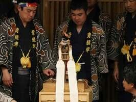芸能史研究会の大会で行われた亀崎潮干祭のからくりの実演(京都市下京区・龍谷大大宮キャンパス)
