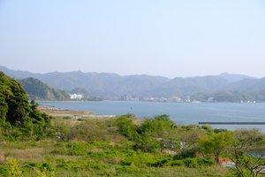パイプライン構想の研究で、LNG基地のシミュレーションが行われた埠頭付近の舞鶴湾(舞鶴市平)