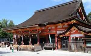 国宝に指定される八坂神社本殿(13日、京都市東山区)