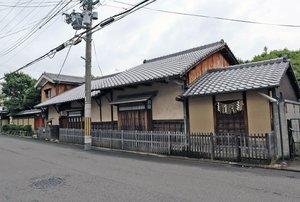 解体前の「川井家住宅」。発掘調査で室町期から建物が存立していた可能性が高まった(京都市中京区、2018年6月撮影)