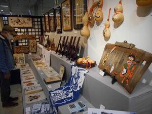 大津絵の作品が展示、販売されているブース(東京都中央区・日本橋高島屋)