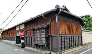 新選組屯所があった「旧前川邸」。マンション建設が東隣で計画され、周辺住民らから中止を求める声が上がっている(京都市中京区)