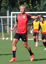 昨季期限付き移籍でサンガに復帰し、チーム練習に加わった仙頭選手(東城陽グラウンド)