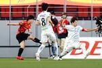 名古屋―G大阪 後半、ゴールを決める名古屋・相馬(左)=豊田