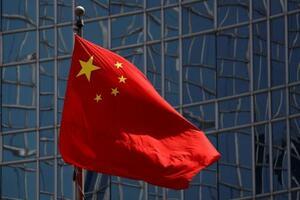 中国の国旗=4月、北京(ロイター=共同)