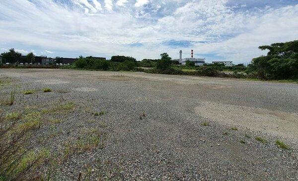 京都市上下水道局が売りに出した土地。予定価格の約3倍となる30億200万円で落札された(京都市伏見区横大路)