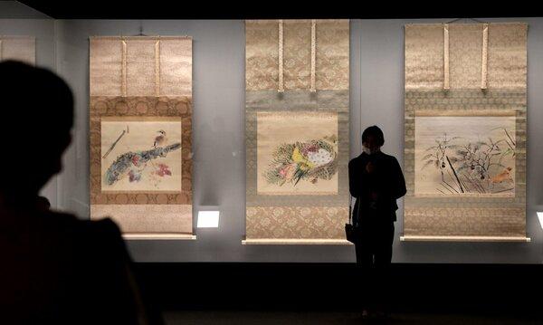 「悲運の画家たち」展で写真撮影可能だった館内。ガラスの透明度が高く撮影しやすい(会期は既に終了、京都市右京区・福田美術館)