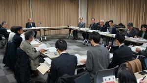 北陸新幹線の延伸に伴う環境影響評価について反発や疑問が上がった京都市の審査会(中京区・職員会館かもがわ)