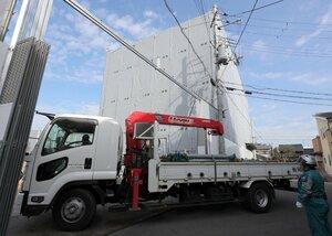 事件から半年以上がたち、本格的な解体作業が始まった京都アニメーション第1スタジオ(22日午前10時24分、京都市伏見区)