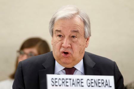 会合で発言する国連のグテレス事務総長=24日、スイス・ジュネーブ(AP=共同)