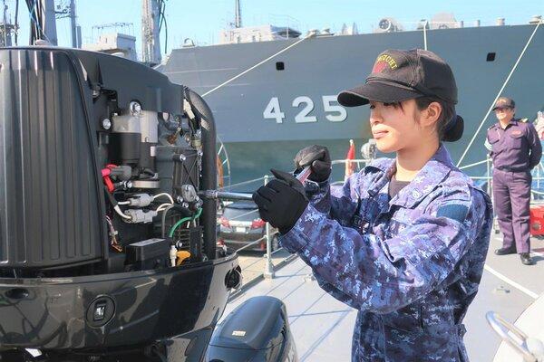 日本海守る女性たち「母ちゃんかっこいい」励みに 自衛隊・海保で活躍 ...