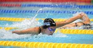 女子200メートル個人メドレー(運動機能障害SM9)でバタフライを泳ぐ一ノ瀬(静岡県富士水泳場)