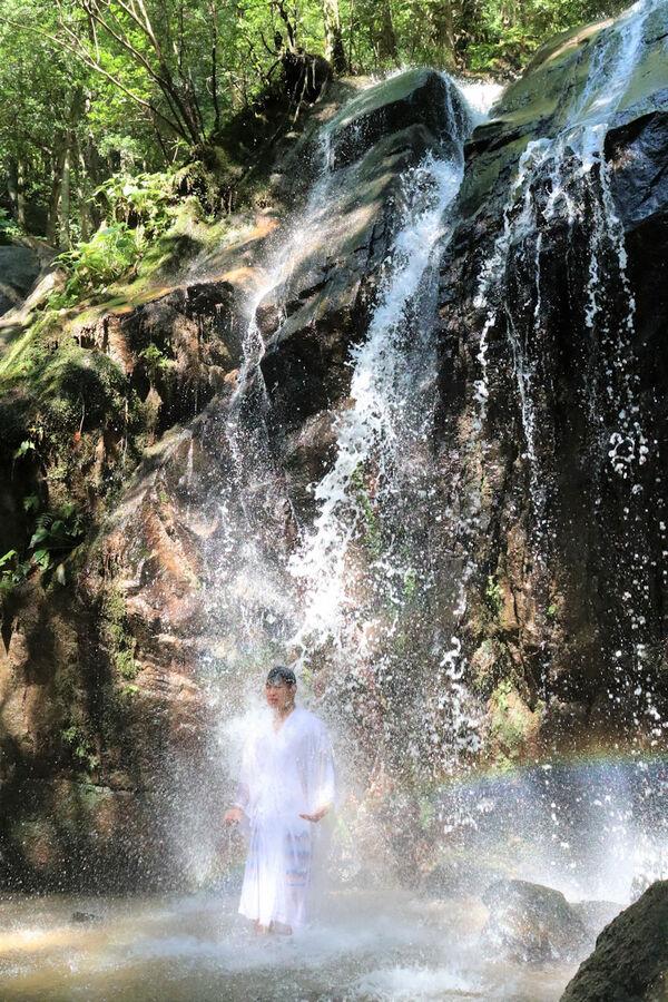 清水さんが多くの人に訪れてほしいと願う金引の滝(京都府宮津市)