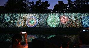 打ち上げ花火を演出に取り入れたプロジェクションマッピング(京都市中京区・二条城)