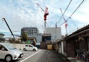 クレーンが並び、ホテルが次々に建設されているJR京都駅南側の地域(京都市南区)
