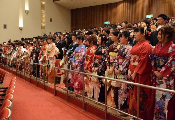 2015年3月に開かれたの京丹後市の成人式(同市峰山町・府丹後文化会館)