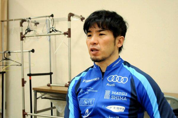 無観客でのレースを終え、ファンへの思いを語る村上選手(京都向日町競輪場)