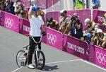 男子BMXフリースタイル・パーク決勝 2回目のランを終え、手を振る中村輪夢=有明アーバンスポーツパーク