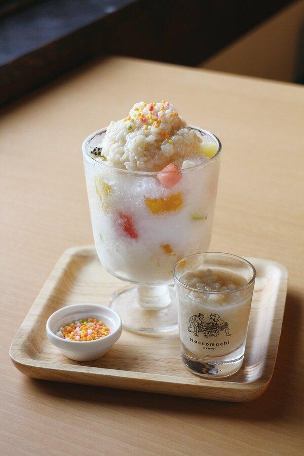 京都一の傳の発酵カフェ「漬×麹 Haccomachi」の「自家製米麹甘酒のかき氷」