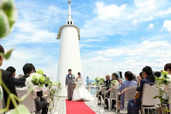 船上で挙げた結婚式(琵琶湖汽船提供)