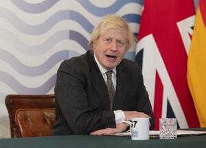 2月、先進7カ国(G7)首脳によるテレビ電話会議で議長を務める英国のジョンソン首相=ロンドン(ゲッティ=共同)